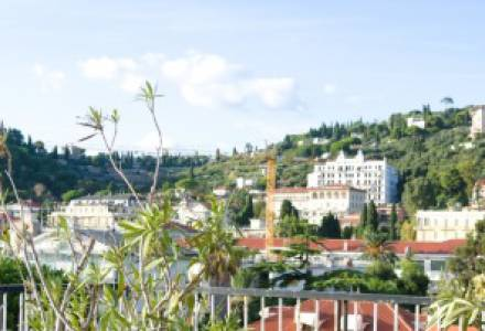 Attic Apartment in the Centre of Bordighera with Private Parking