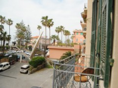 Large Historic Apartment with Sea View and Parking - 4